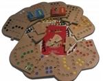 Afbeeldingen van Keez totaalbox-2,4,6 en 8 persoons in  puzzelbord hout