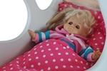 Afbeeldingen van Poppen-dekje -dekbed- slaapzak voor wieg, poppenbed en poppenwagen roze met witte stippen 96x 32 cm Van DijkToys