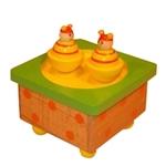 Afbeeldingen van Muziekdoosje vierkant  bijtjes geel